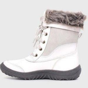 Merona Shoes - NEW! Merona Women's White Porsha Winter Snow Boots